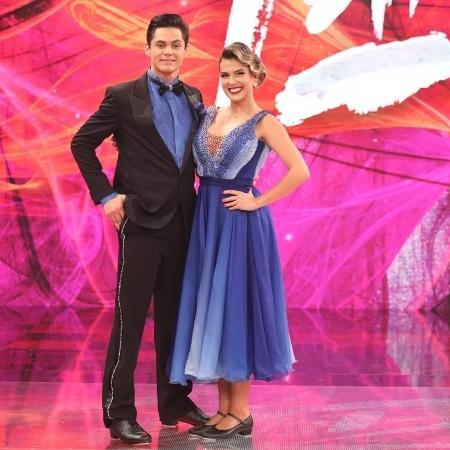 """Lucas Veloso e Nathalia Melo na """"Dança dos Famosos"""" - Divulgação/TV Globo"""