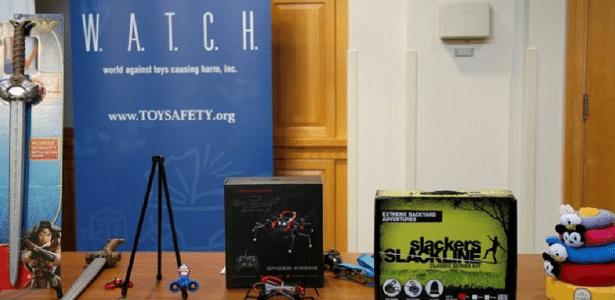 Brinquedos considerados perigosos são mostrados em Boston