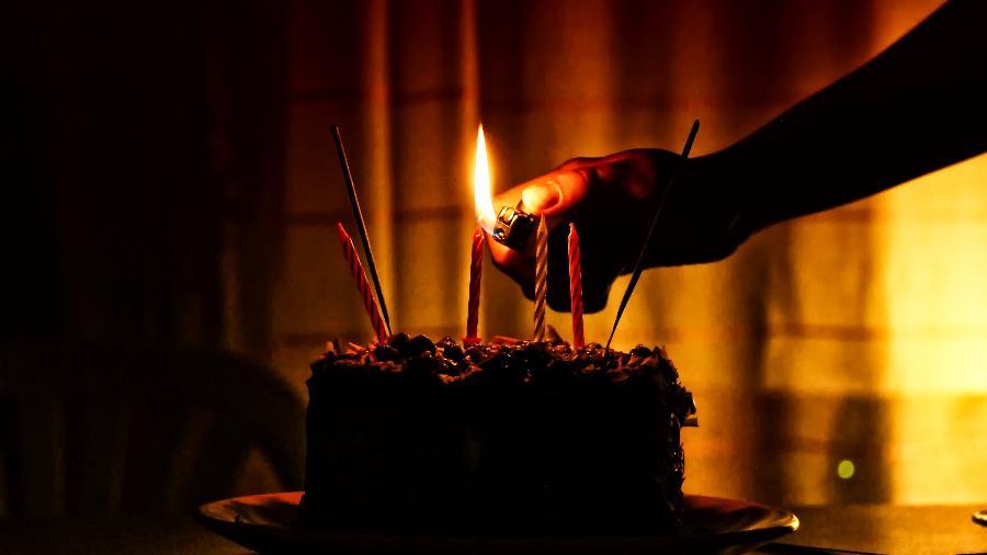 Para Testemunhas de Jeová, os aniversários se relacionam com magia e ocultismo, por isso não comem bolo de aniversário - Getty Images