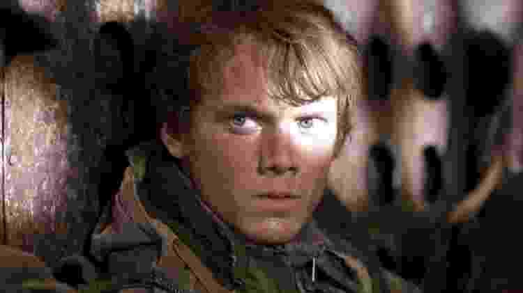 """Anton Yelchin em cena de """"O Exterminador do Futuro: A Salvação"""" (2009) - Divulgação - Divulgação"""