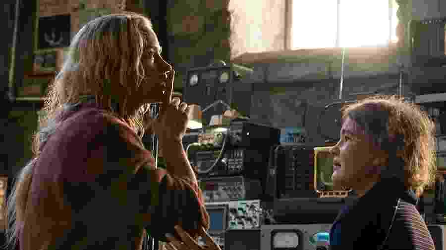 """Emily Blunt e Millicent Simmonds em """"Um Lugar Silencioso"""" (2018) - Divulgação"""
