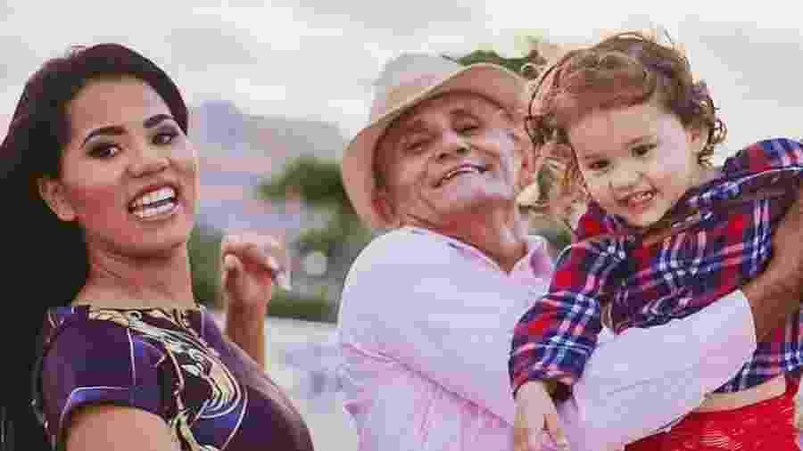 Stefhany,o marido Roberto Cardoso e filha Deborah Esther - Reprodução/Instagram/@stefhanycardosooficial