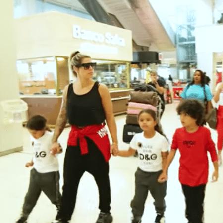 Dani Souza com os filhos, Bruno Lucas, Sophia e Rafaella - Reprodução/Instagram