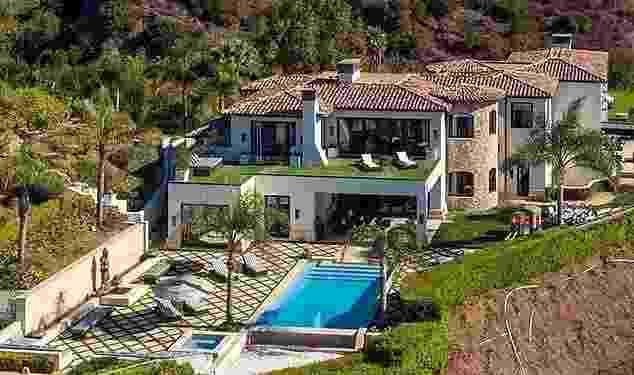 Kylie Jenner está pagando R$ 1,8 milhão de aluguel em mansão; faça tour - Berlyn Photography