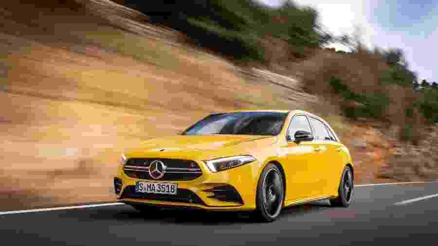 Mercedes-AMG A 35 4MATIC é versão amansada do A 45, que extrai 421 cv e 51 kgfm de um motor 2.0 - Divulgação