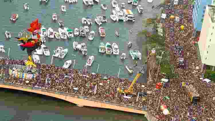 Galo da madrugada, um dos grandes momentos do Carnaval de Recife - Getty Images