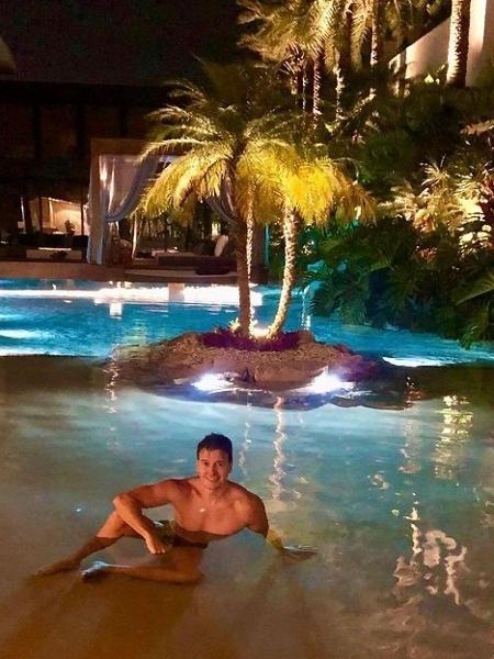 Rodrigo Faro ostentou sua piscina gigante no Instagram - Reprodução/Instagram