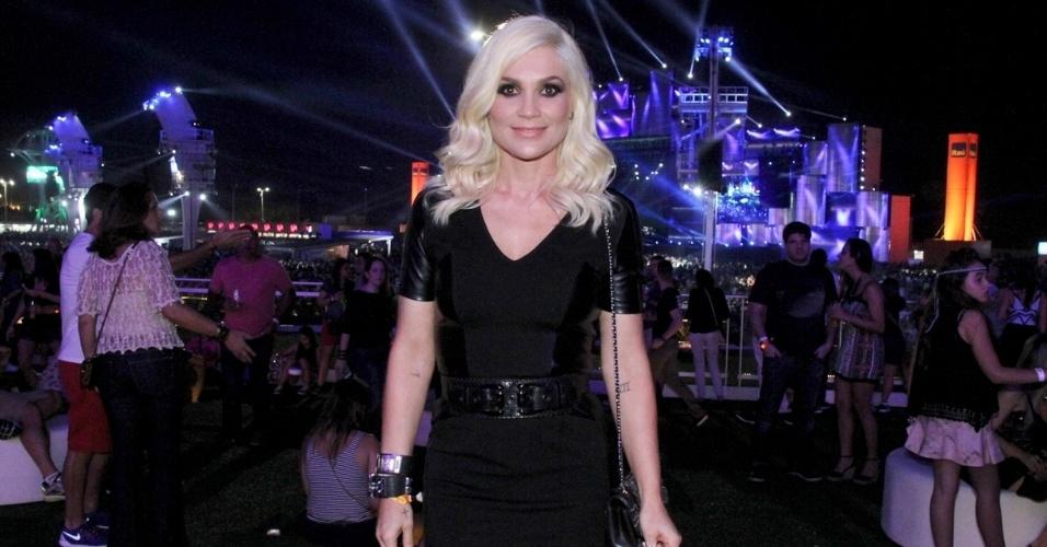 18.set.2015 - Flávia Alessandra curte primeiro dia do Rock in Rio