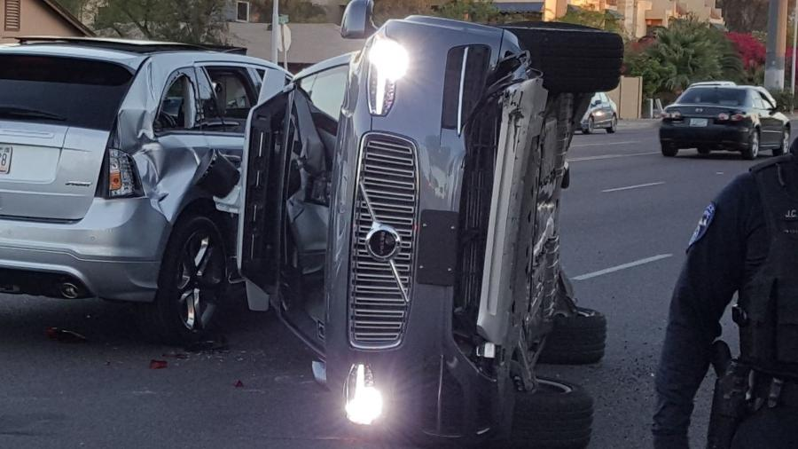 Supostamente, o fato não aconteceu por culpa do carro autônomo: a falha teria sido causada pelo outro veículo - Reprodução
