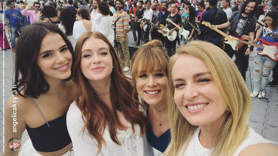 Bruna Marquezine, Marina Ruy Barbosa, Mariana Ximenes e Angélica na gravação da vinheta de fim de ano da Globo - Reprodução/Instagram