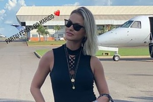Andressa Suita exibe bolsa luxuosa de R$ 10 mil em viagem de férias