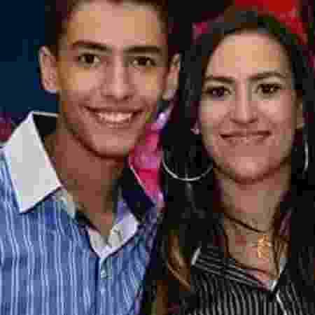 O filho empresária Micheli Delfino morreu aos 15 anos. Ela, então, era evangélica. É praticante da doutrina espírita desde que recebeu uma carta do filho - Reprodução/Facebook - Reprodução/Facebook