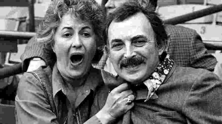 Bill Macy com Bea Arthur na série Maude (1972-1978) - Reprodução