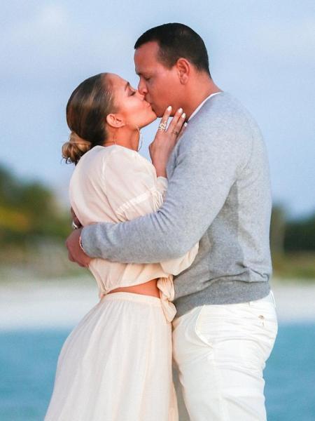 Jennifer Lopez e o noivo, o ex-jogador de beisebol Alex Rodriguez - Reprodução/Instagram