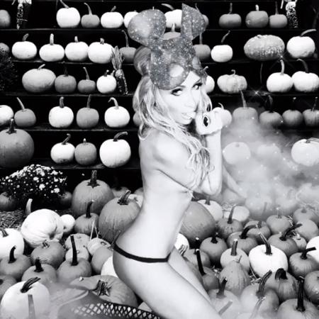 Paris Hilton faz foto ousada no clima do Halloween - Reprodução / Instagram