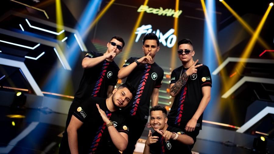 Jogadores do Fluxo comemoram conquista da Liga Brasileira de Free Fire  - Reprodução/FreeFireBrasil