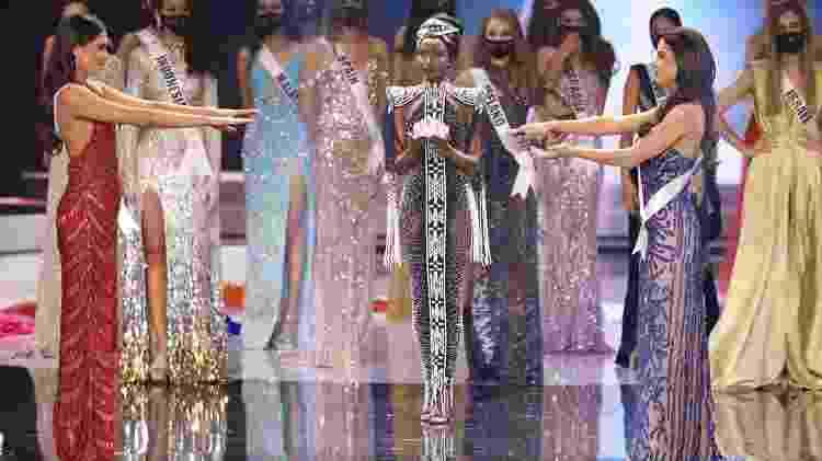 A brasileira Julia Gama e a mexicana Andrea Meza disputaram a final do Miss Universo 2020 - Rodrigo Varela / Getty Images - Rodrigo Varela / Getty Images