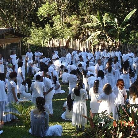 Segundo o grupo de mulheres, apenas dois homens estão sob investigação: Diógenes Mira e Antônio Alves Marques Júnior, conhecido como Gê Marques, fundador da igreja Reino do Sol - Gê Marques
