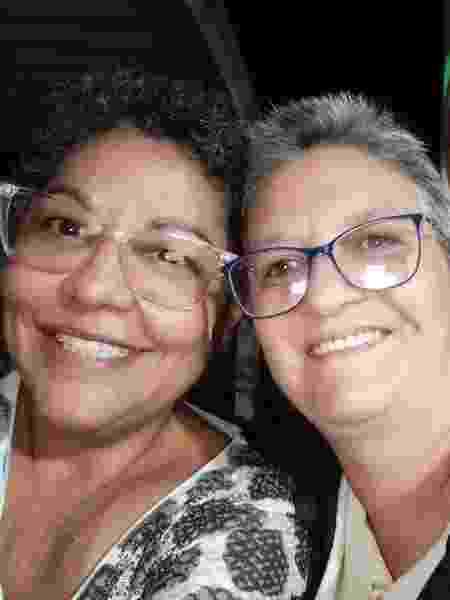 """Adriana chegou a tentar suícido durante a terapia de """"cura gay"""". Desistiu do processo e hoje é casada com Célia há 5 anos.  - arquivo pessoal - arquivo pessoal"""