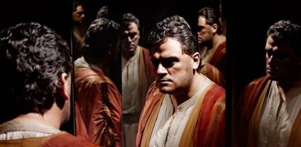 Aleksandrs Antonenko, que interpretará Otelo pela primeira vez sem o rosto pintado - Divulgação
