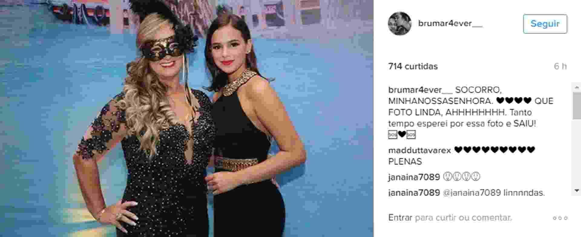 Bruna Marquezine posa com a sogra, Nadine, que deu uma festona para comemorar seus 50 anos - Reprodução/Instagram