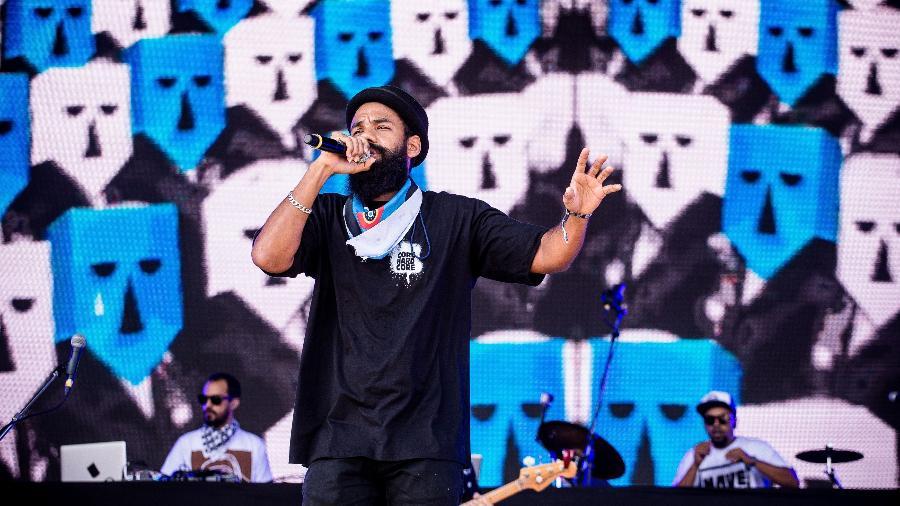 Russo Passapusso, líder do grupo Baiana System, durante apresentação - Keiny Andrade/Folhapress