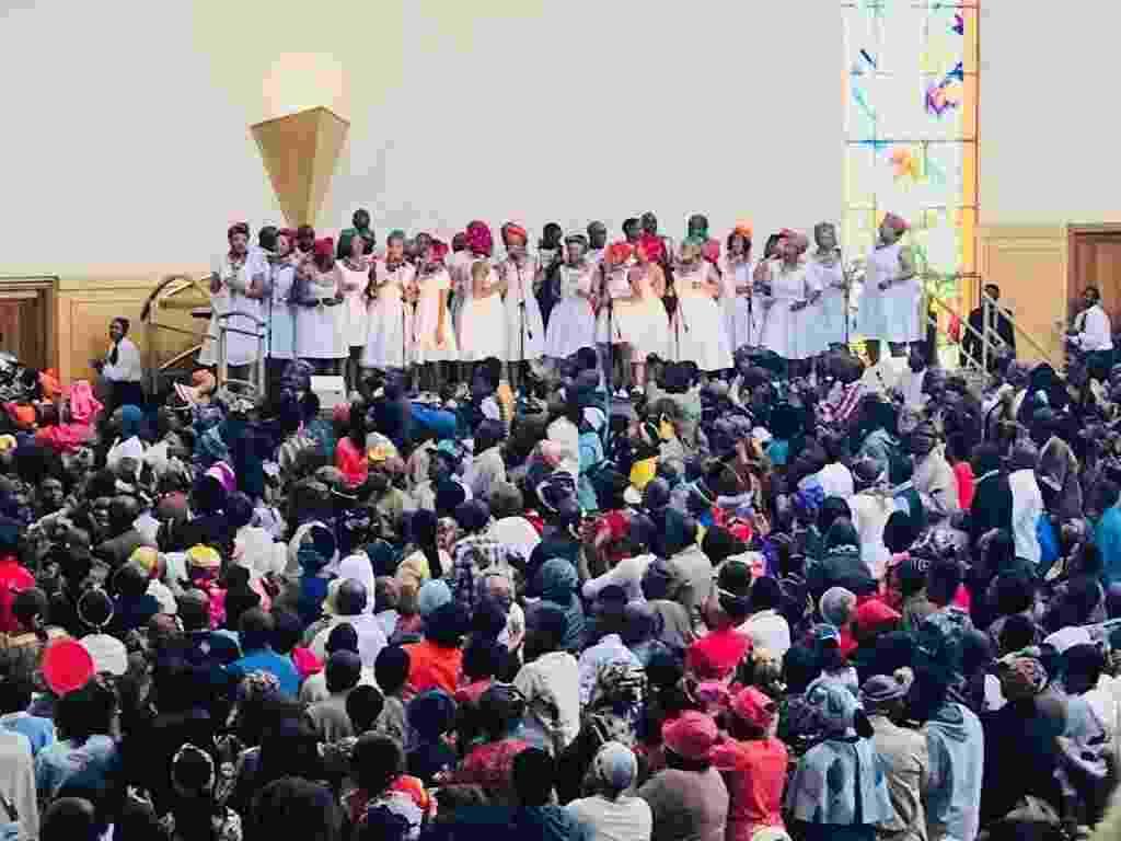 """Filmagens de """"Nada a Perder"""" em Soweto, na África do Sul. O longa vai contar a história do bispo Edir Macedo, fundador e líder da Igreja Universal do Reino de Deus - Divulgação"""