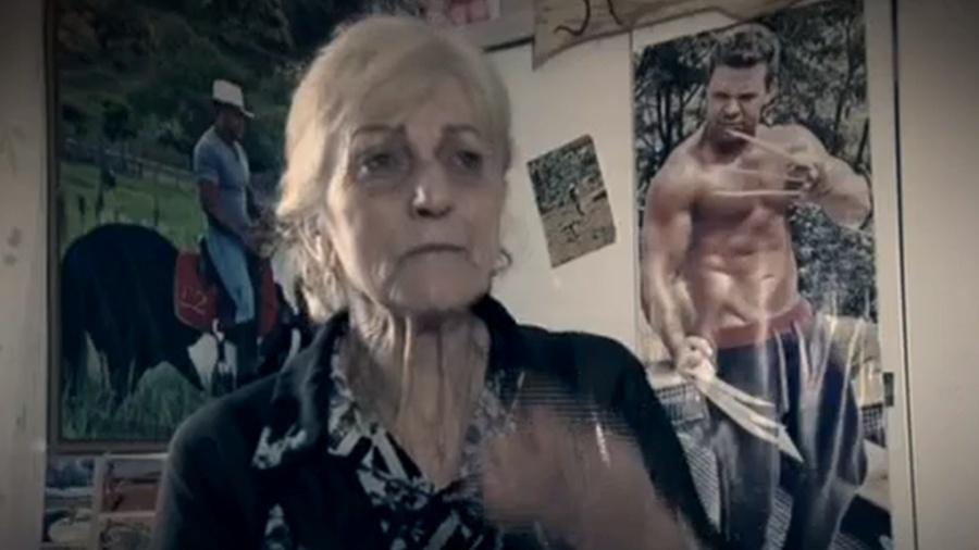 Dona Dadá é fã número 1 de Eduardo Costa tem fotos espalhadas pela casa e tatuagens do cantor no corpo - Reprodução/Record