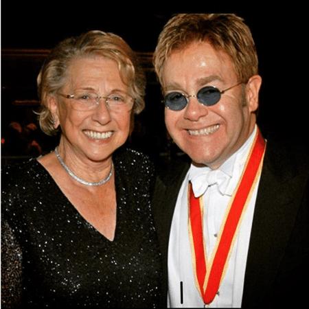 Elton John lamenta a morte da mãe, Sheila - Reprodução/Instagram/eltonjohn