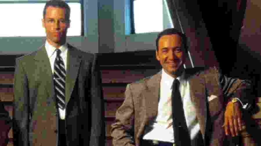 """Guy Pearce e Kevin Spacey em """"Los Angeles: Cidade Proibida"""" - Divulgação"""