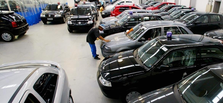 Procura por usados e seminovos nas concessionárias existe, mas você pode conseguir um valor maior vendendo seu carro de forma particular - Eduardo Knapp/Folhapress