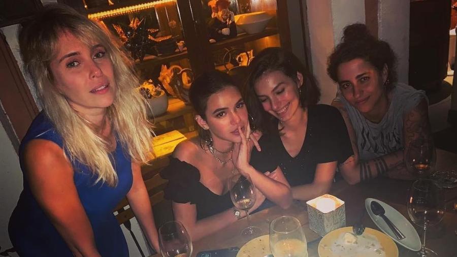 Fernanda Nobre, Bruna Marquezine, Marina Moschen e Isabela Bertazzi - Reprodução/Instagram/isabelabertazzi