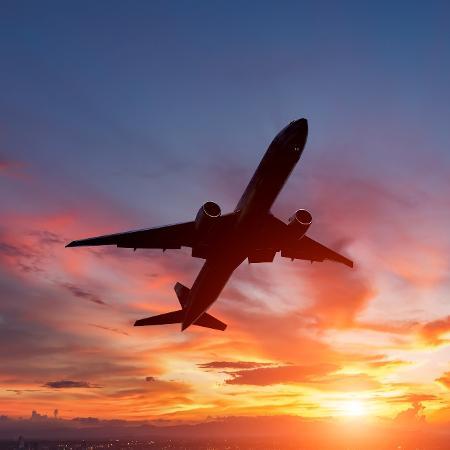 Somente no setor aéreo, a estimativa é de redução de 108,5 mil vagas de trabalho - Manop1984/Getty Images/iStockphoto