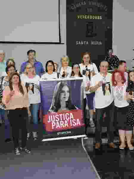 Família e apoiadores em audiência pública anti-feminicídio - Acervo pessoal