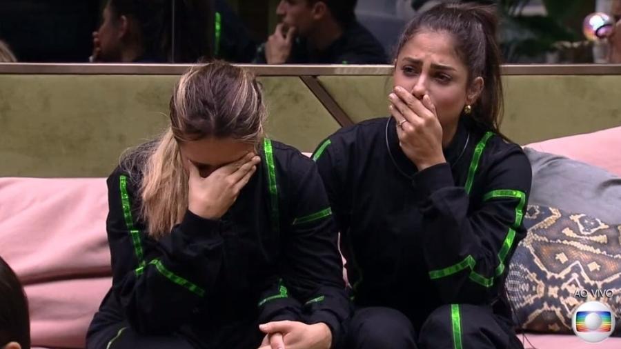 Gabi e Mari estão no paredão e choram - Reprodução/TV Globo
