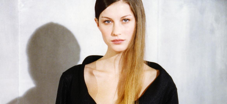 Gisele Bündchen em 1999, no desfile da Chanel, ano em que foi eleita a Maior Modelo do Mundo pela MTV - Daniel Simon/Gamma-Rapho via Getty Images)