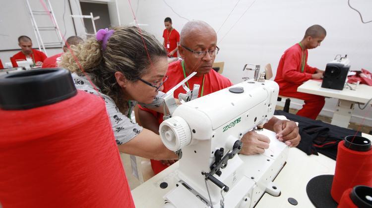 Internos trabalhando - João Schubert/Divulgação - João Schubert/Divulgação