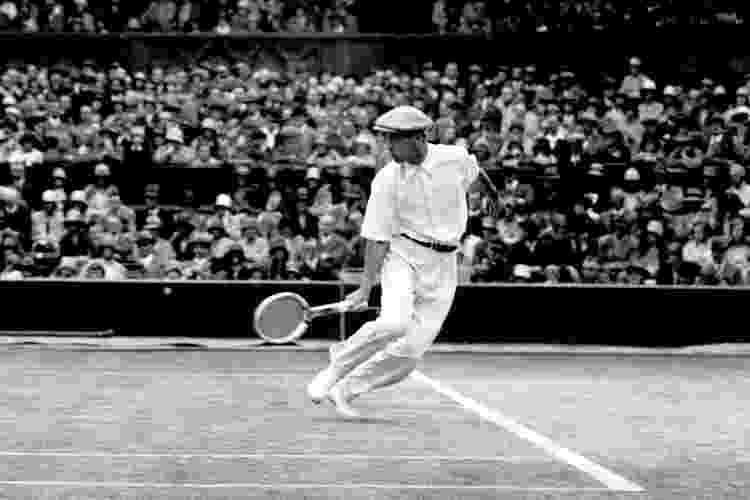 Rene Lacoste em ação em Wimbledon, em 1928 - PA Images via Getty Images - PA Images via Getty Images