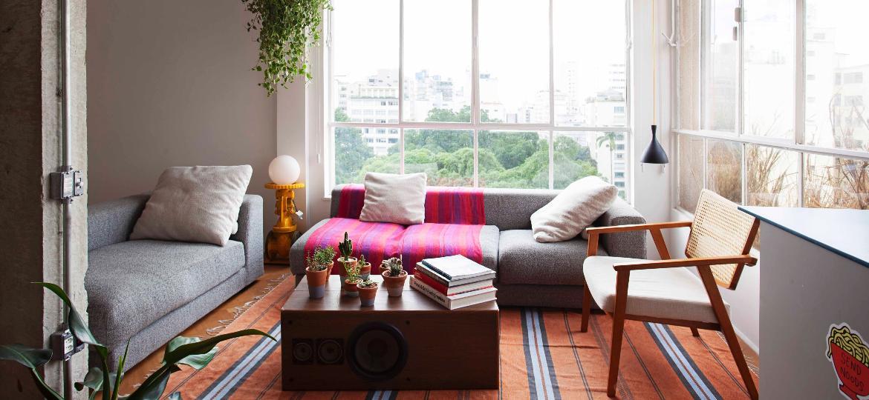 Projeto Vera Cruz: janelas originais de ferro restauradas. Apartamento com vista para a praça Buenos Aires, em Higienópolis - Divulgação