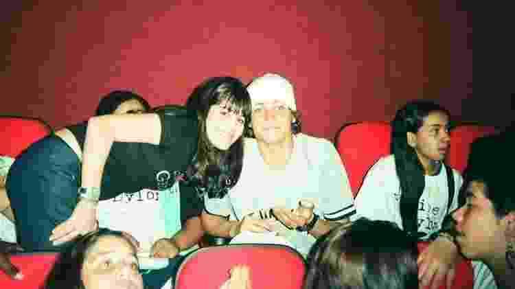 Felipe Dylon com Mayra Wenzel no cinema no início dos 2000 em ação promocional de uma rádio - Arquivo pessoal - Arquivo pessoal