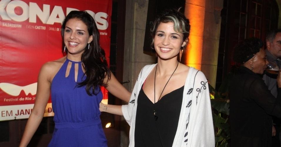 6.out.2015 - Paloma Bernardi e Nanda Costa comparecem ao coquetel de lançamento do filme