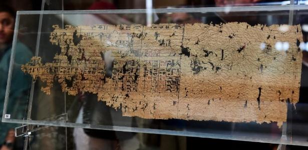 O Museu Egípcio no Cairo expõe pela primeira vez o papiro mais antigo já encontrado - Xinhua/Zhao Dingzhe