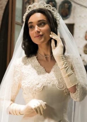 Filó prontinha para casar, de véu e grinalda - Reprodução/Gshow/César Alves