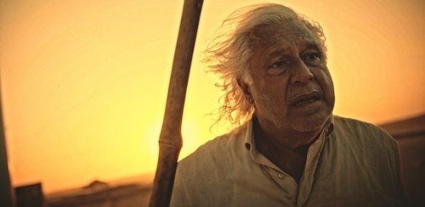 """Afrânio (Antonio Fagundes) larga a peruca e decide se matar em """"Velho Chico"""" - Reprodução/TV Globo"""