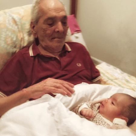 Lúcio Mauro com a neta, Liz - Reprodução/Instagram/luciomaurofilhooficial