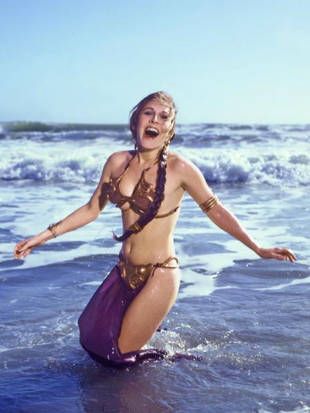 """Carrie Fisher usou figurino em """"O Retorno de Jedi"""" - Reprodução"""