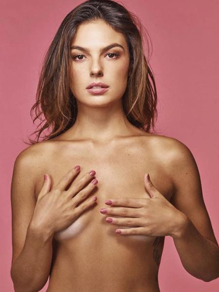 Atriz Isis Valverde posta foto de topless - Reprodução/Instagram