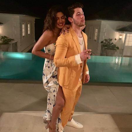 Os recém-casados Nick Jonas e Priyanka Chopra tiveram que aguardar o fim de 2018 para viajar - Reprodução/Instagram