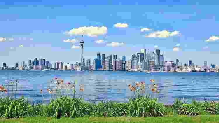 Vista de Toronto a partir das Toronto Islands, pelo lago Ontário - Pixabay - Pixabay