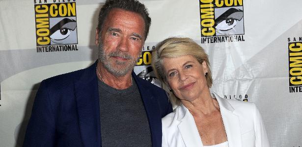 Sarah e Exterminador | Linda Hamilton e Schwarzenegger se beijam na Comic-Con